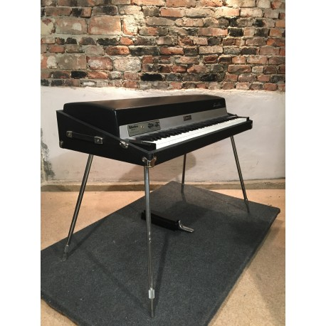 1979 Rhodes MK 1 with an active preamp!